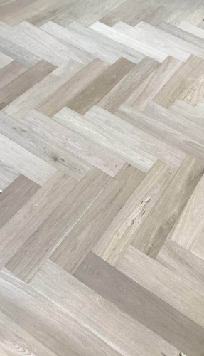 OAK FLOORING ABC grade 610X122X15/4MM HERRIBONE