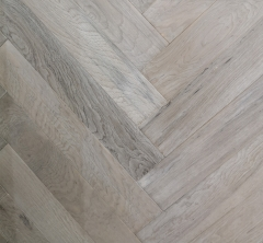 OAK FLOORING ABCD grade 520x90x14/3mm HERRIBONE
