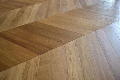 OAK FLOORING AB,CD grade 520x90x13/4mm chevron
